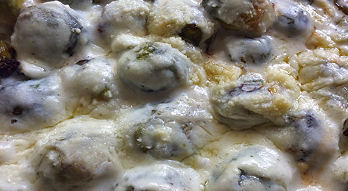 Our smoked Brussels sprouts with our creamy béchamel sauce make up this wonderful gratin. This is a great dish anytime but especially good around the holidays.