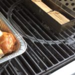 Double filet wood chunks in the smoker box ready to delicaly flavor our chicken drumsticks